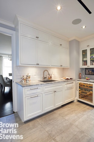 815 Park Avenue 12C, Upper East Side, NYC, $4,400,000, Web #: 19385224