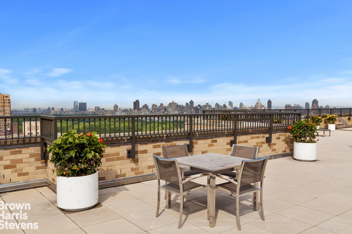 10 West 66th Street 25C, Upper West Side, NYC, $1,250,000, Web #: 19386108
