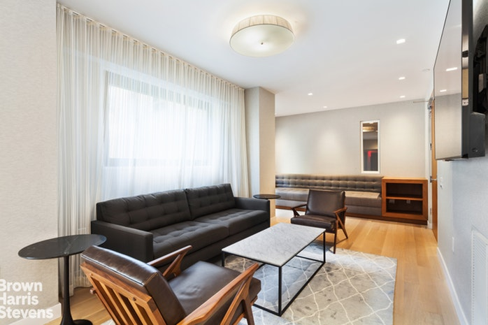 10 West 66th Street 9J, Upper West Side, NYC, $985,000, Web #: 19451535