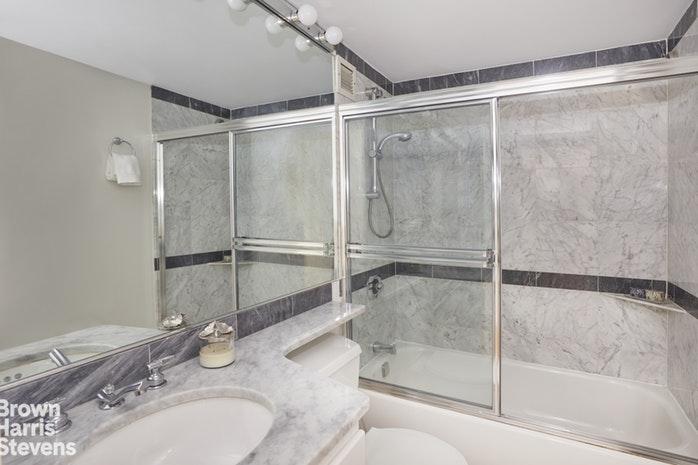 500 West 43rd Street 40A, Midtown West, NYC, $1,600,000, Web #: 19482505