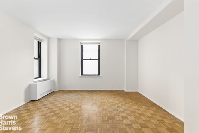 201 West 74th Street 11C, Upper West Side, NYC, $555,000, Web #: 19505770