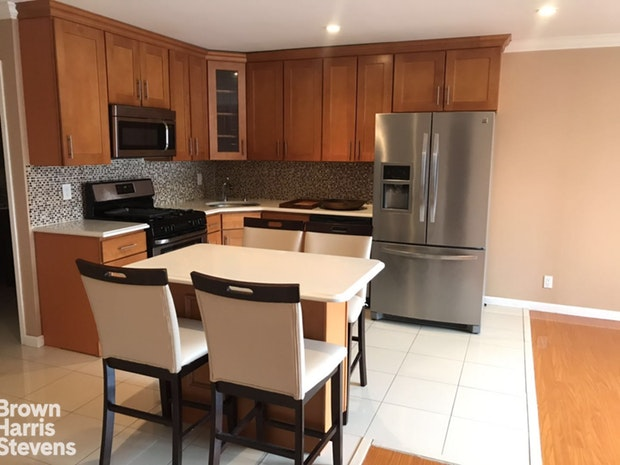 420 64th Street 2A, Brooklyn, New York, $2,600, Web #: 19508262