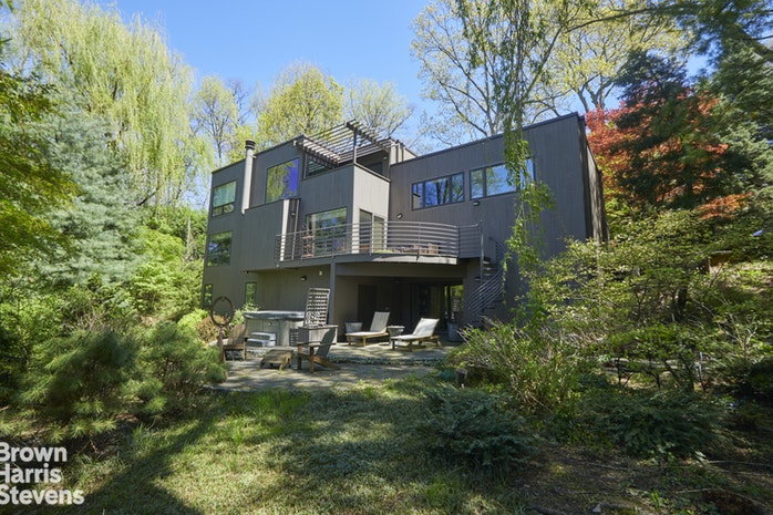 5605 Independence Avenue, North Riverdale, New York, $2,995,000, Web #: 19512319