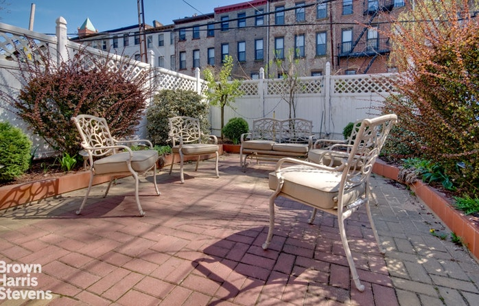 262 Monroe Street Garden, Brooklyn, New York, $2,350, Web #: 19527917
