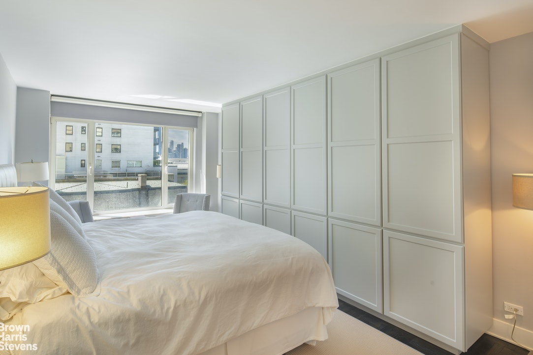 1050 Fifth Avenue 10C, Upper East Side, NYC, $2,495,000, Web #: 19540460