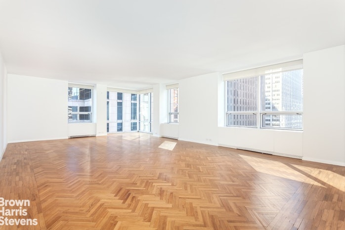 15 West 53rd Street 19D, Midtown West, NYC, $2,600,000, Web #: 19557434