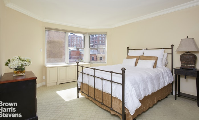 40 East 84th Street 8A, Upper East Side, NYC, $1,995,000, Web #: 19566711