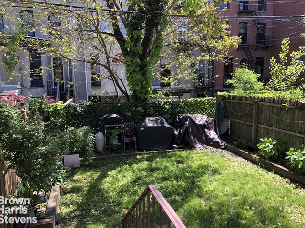 226 Gates Ave 1, Brooklyn, New York, $3,800, Web #: 19578224