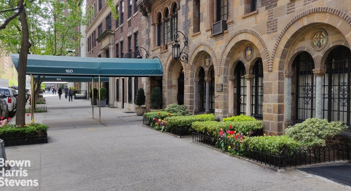 160 East 72nd Street 15Flr, Upper East Side, NYC, $4,250,000, Web #: 19585847