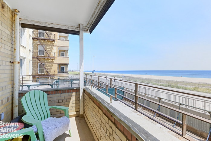121 -16 Ocean Promenade 2G, Queens, New York, $410,000, Web #: 19624408
