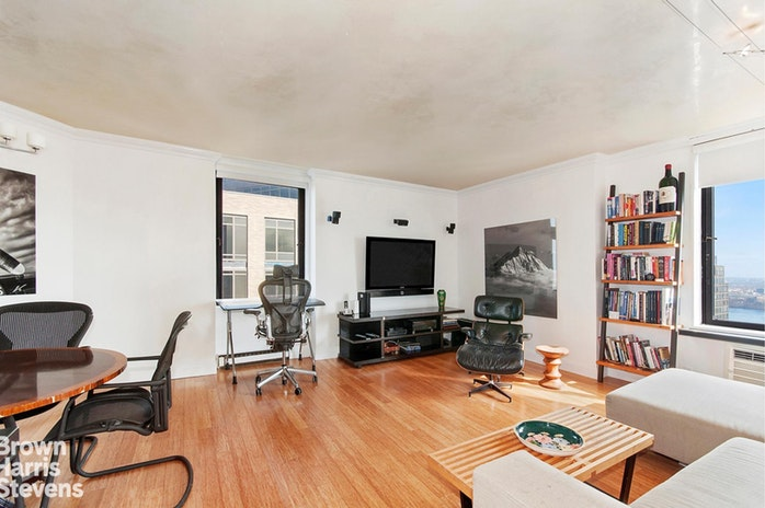 1623 Third Avenue 41D, Upper East Side, NYC, $3,600, Web #: 19627293