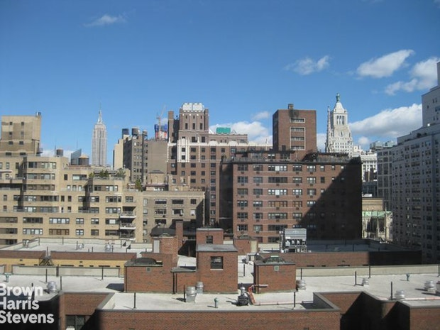 60 East 8th Street 9F, East Village, NYC, $3,445, Web #: 19627975