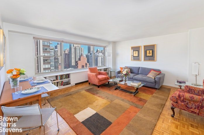 Agent Elaine Clayman, Properties with Open Houses - Brown Harris