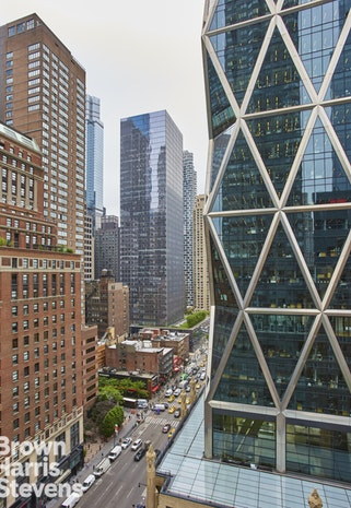 301 West 57th Street 16F, Midtown West, NYC, $899,000, Web #: 19633707