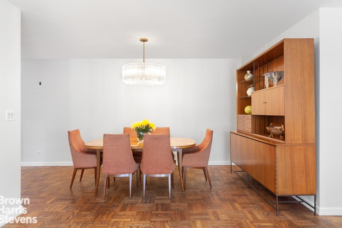 10 West 66th Street 14K, Upper West Side, NYC, $1,810,000, Web #: 19635935