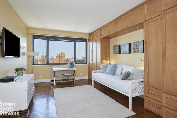 10 West 66th Street 31D, Upper West Side, NYC, $2,312,000, Web #: 19647724