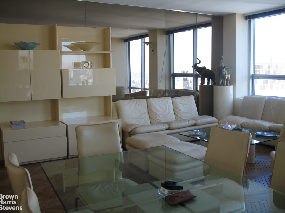 15 West 53rd Street 50E, Midtown West, NYC, $1,795,000, Web #: 19648981
