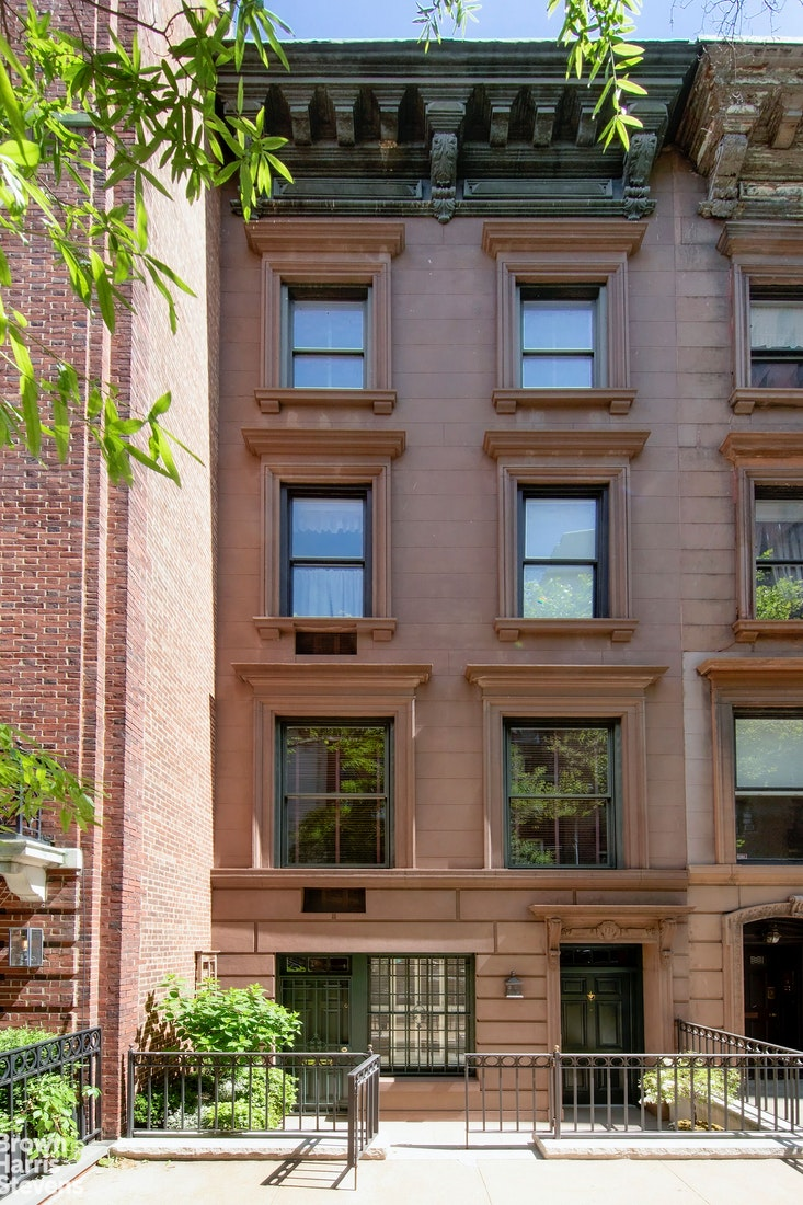 173 East 70th Street, Upper East Side, NYC, $8,600,000, Web #: 19650881