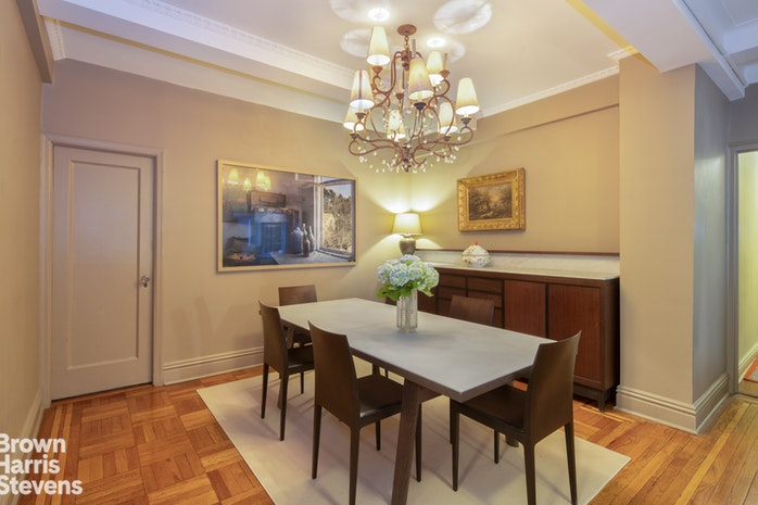 670 West End Avenue 10D, Upper West Side, NYC, $2,100,000, Web #: 19653491