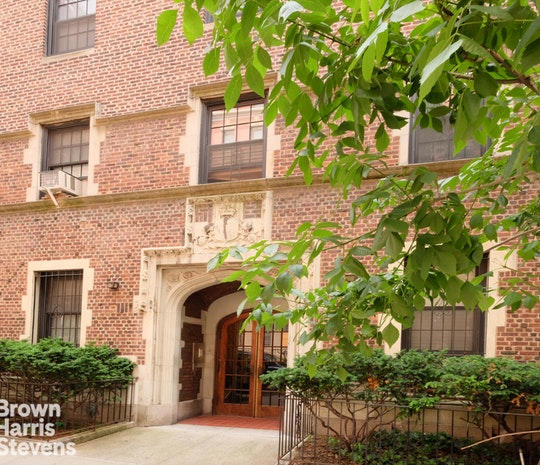 Prime Heights Pre-war Apartment Building, Brooklyn Heights, Brooklyn, NY, 11201, $7,950,000, Property For Sale, Halstead Real Estate, Photo 2