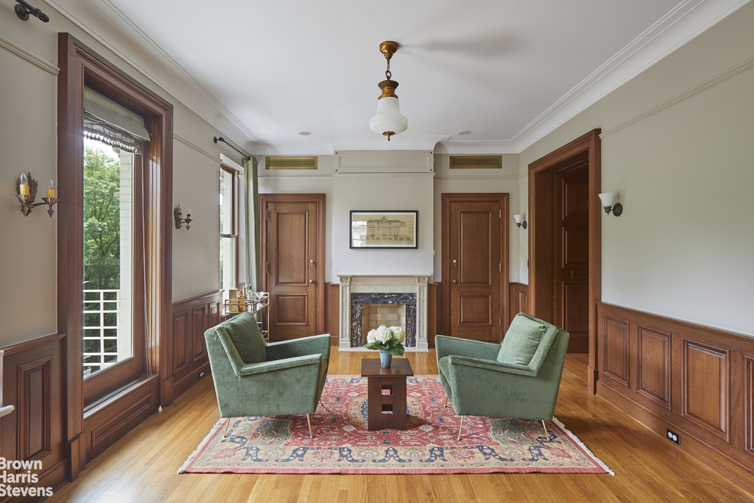 227 Central Park West 4A, Upper West Side, NYC, $4,998,000, Web #: 19670147
