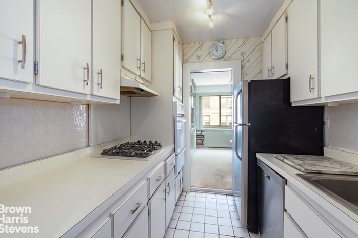 200 East 78th Street 15G, Upper East Side, NYC, $1,500,000, Web #: 19689358