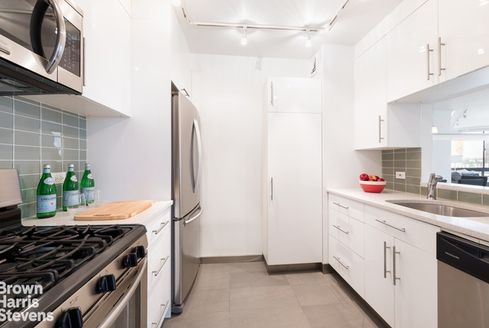 225 West 83rd Street 9L, Upper West Side, NYC, $1,825,000, Web #: 19705976
