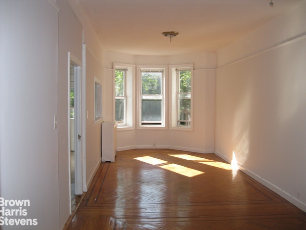 Big 2 Br Parlor Floor-Thru, Brooklyn, New York, $3,200, Web #: 19709673