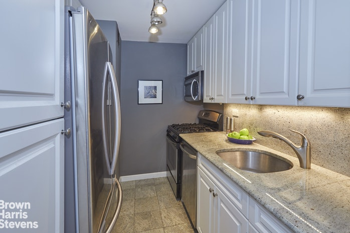 180 West End Avenue 2K, Upper West Side, NYC, $480,000, Web #: 19741049