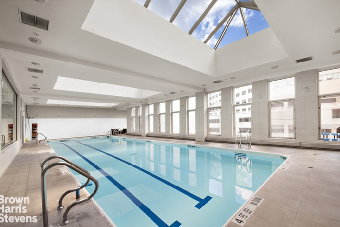 524 East 72nd Street 32B, Upper East Side, NYC, $1,095,000, Web #: 19799548