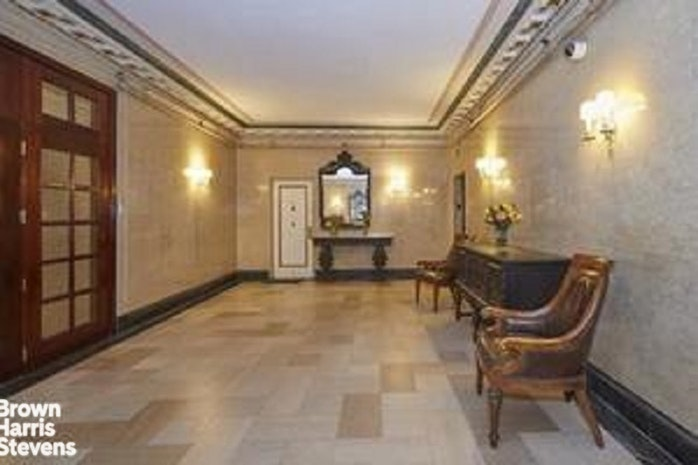 365 West End Avenue 2F, Upper West Side, NYC, $3,500, Web #: 19825971