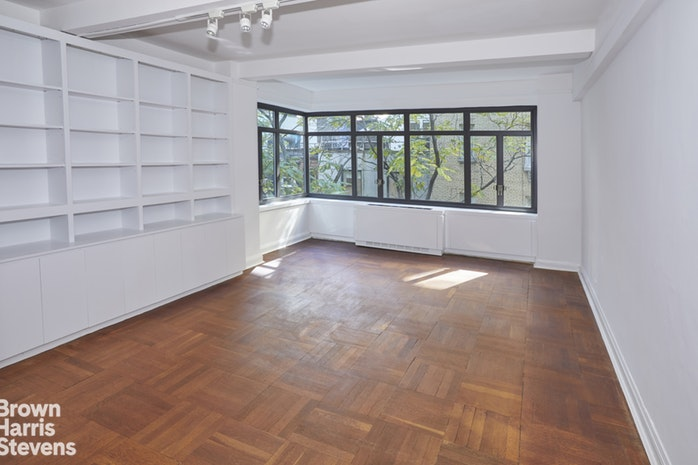 25 West 54th Street 6A, Midtown West, NYC, $450,000, Web #: 19841251