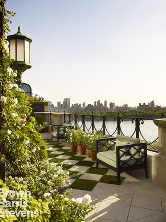 Fifth Ave - Renovated Triplex Penthouse