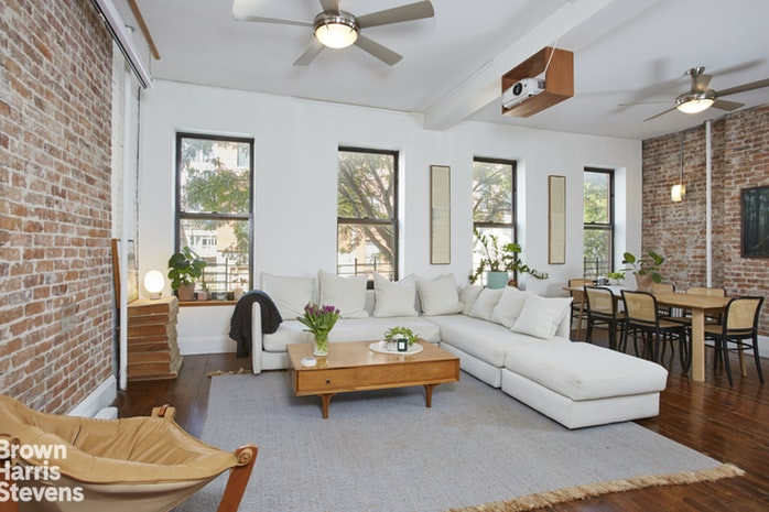 102 Clay St 2, Greenpoint, New York, $1,100,000, Web #: 19861606