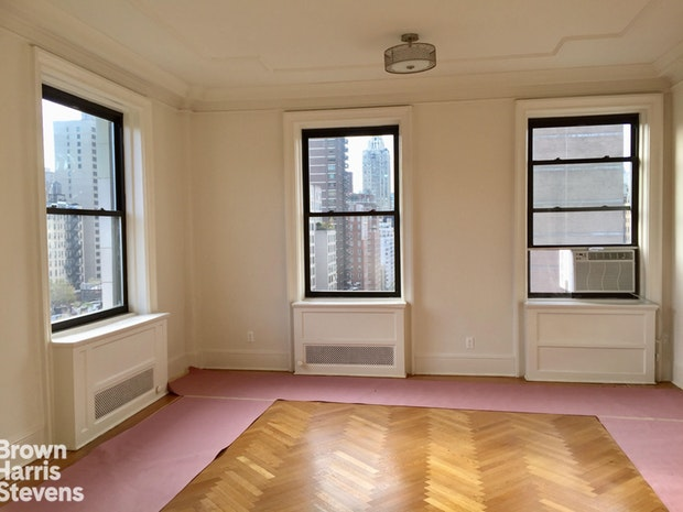 1100 Madison Avenue 10A, Upper East Side, NYC, $5,000, Web #: 19868386