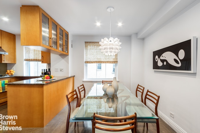 400 West End Avenue 8E, Upper West Side, NYC, $1,875,000, Web #: 19907411