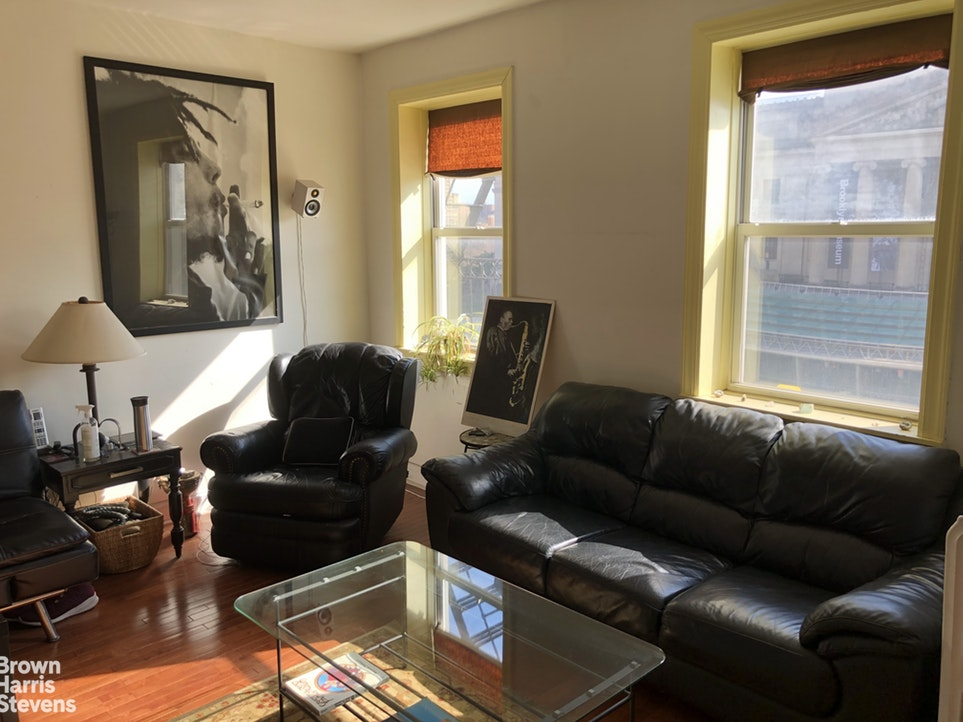 Big 4 BR Apt. With Museum Views