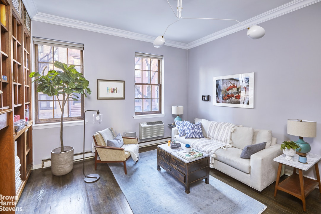 349 West 21st Street B, Greenwich Village/Chelsea, NYC, $1,100,000, Web #: 19927879