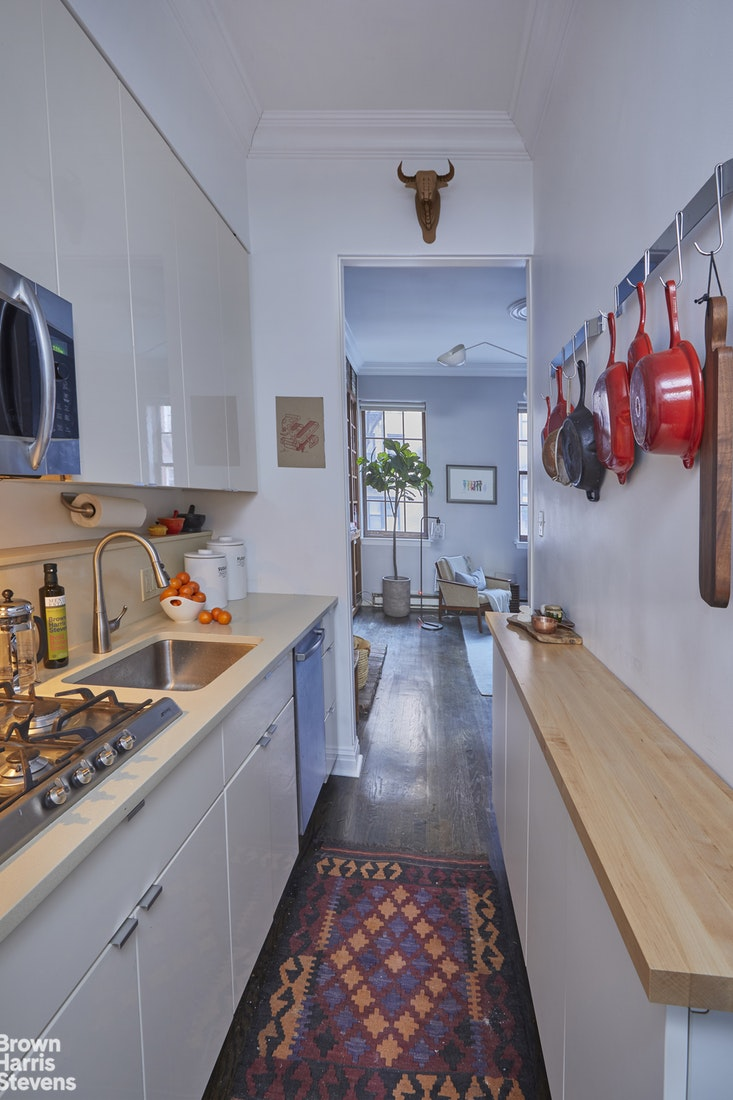 349 West 21st Street B, Chelsea, NYC, $1,250,000, Web #: 19927879
