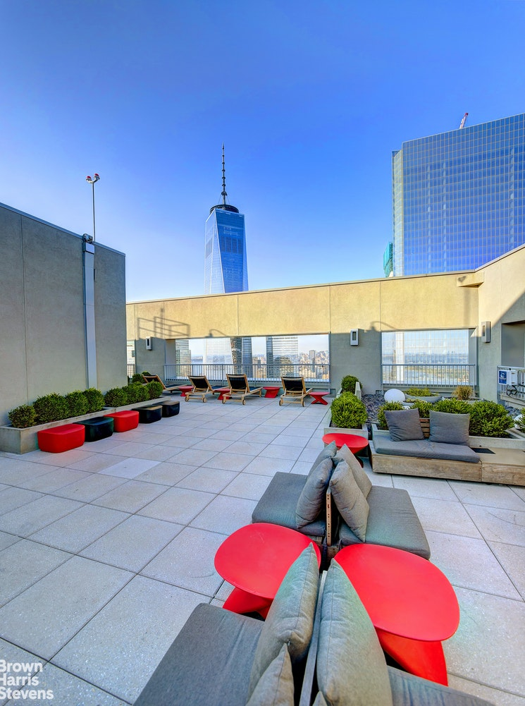 123 Washington Street 26D, Battery Park City, NYC, $4,200, Web #: 19971087