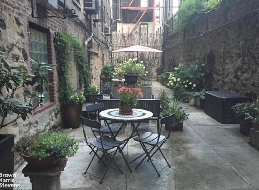16 East 98th Street 3A, Upper East Side, NYC, $825,000, Web #: 19988213