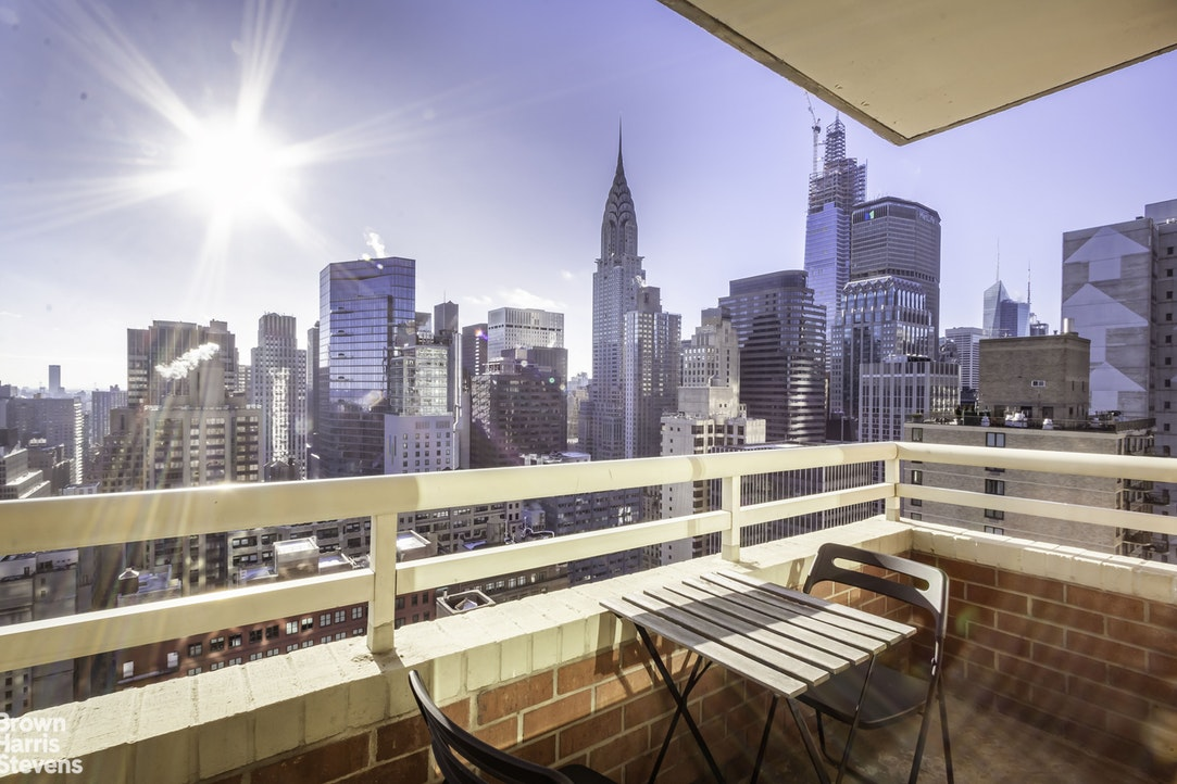 236 East 47th Street 36A, Midtown East, NYC, $5,195, Web #: 19993221