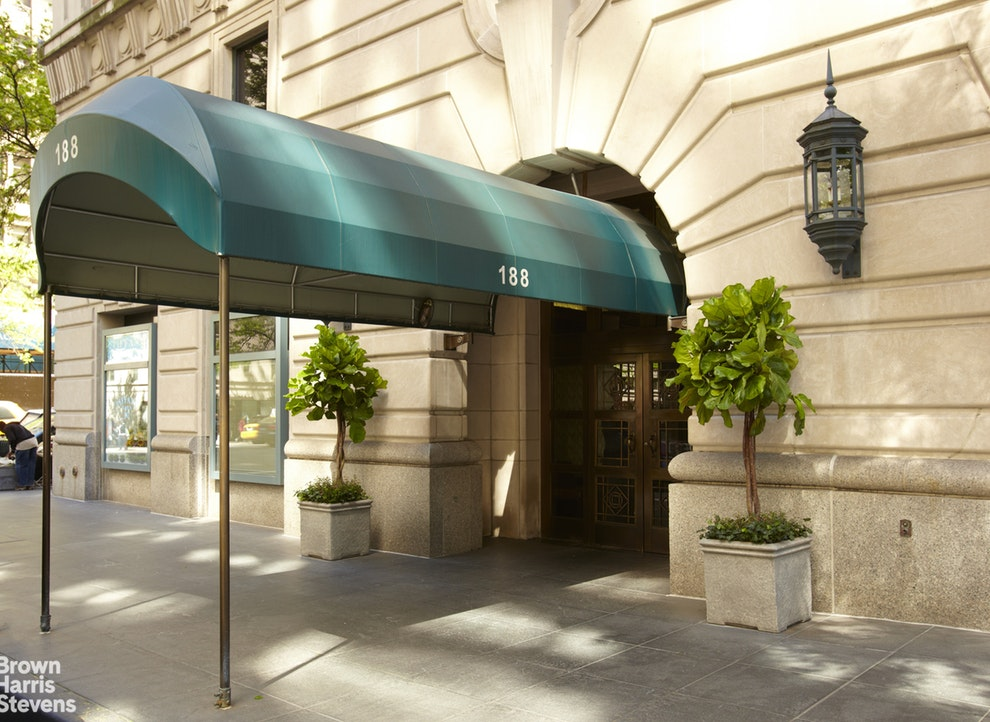 188 East 70th Street 20A, Upper East Side, NYC, $2,250,000, Web #: 19993568