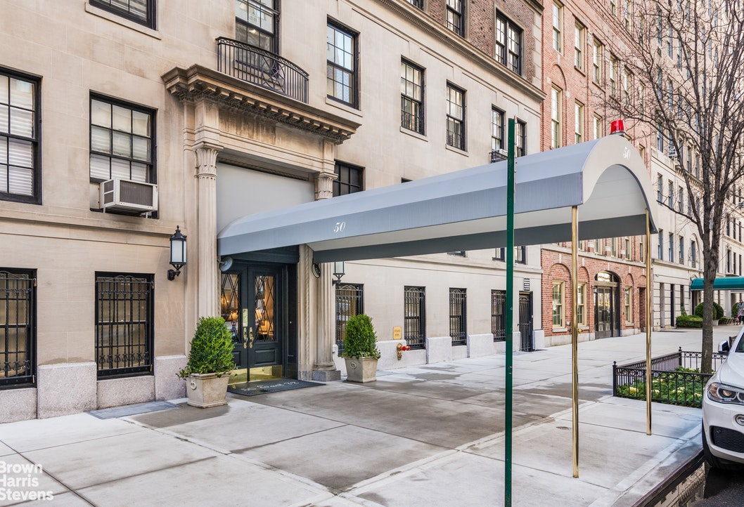 50 East 72nd Street 10A, Upper East Side, NYC, $3,200,000, Web #: 19995036