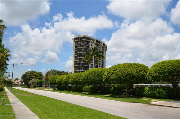 2480 Presidential Way 504, West Palm Beach, Florida, $375,000, Web #: 2000105177