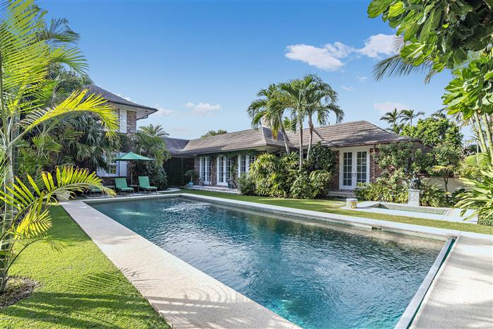 555 Island Drive, Palm Beach, Florida, $23,900,000, Web #: 2000150935