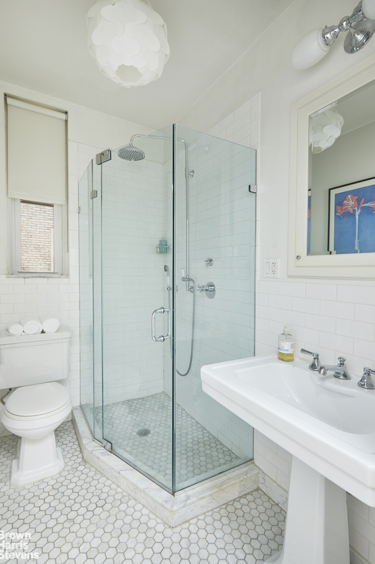 1060 Park Avenue 2A, Upper East Side, NYC, $595,000, Web #: 20007706