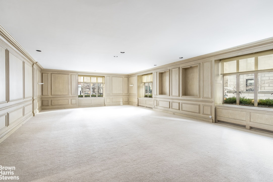 820 Park Avenue Maison, Upper East Side, NYC, $2,200,000, Web #: 20053891