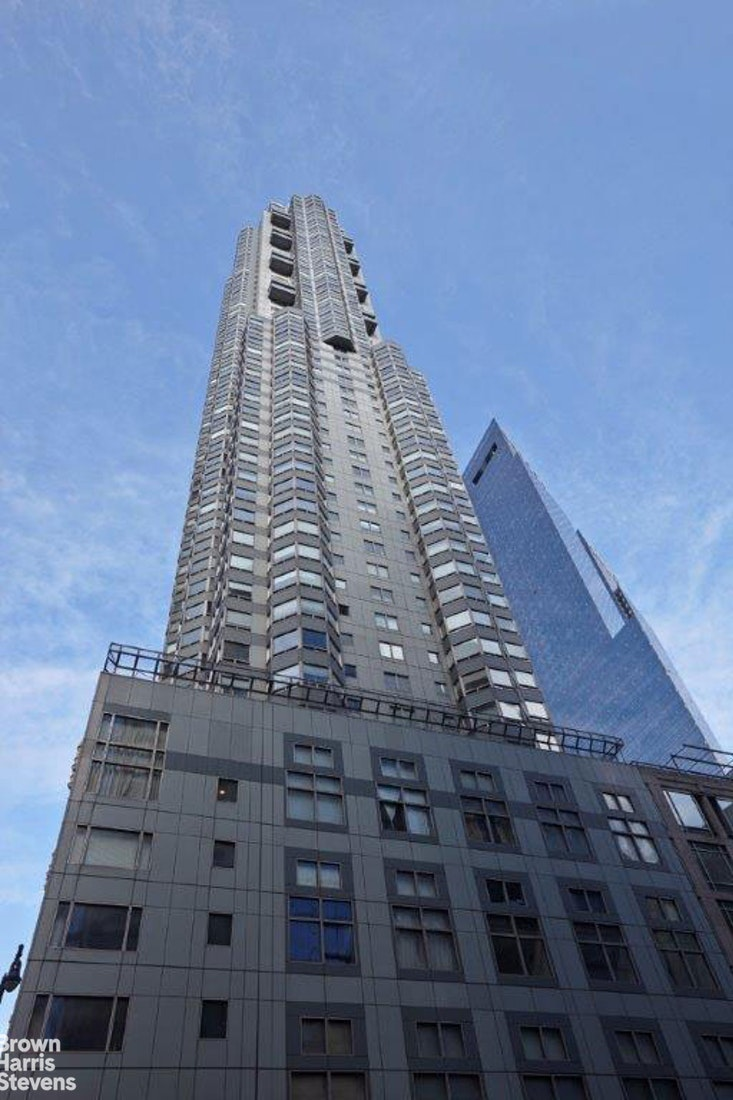 301 West 57th Street 20G, Midtown West, NYC, $2,750, Web #: 20057384