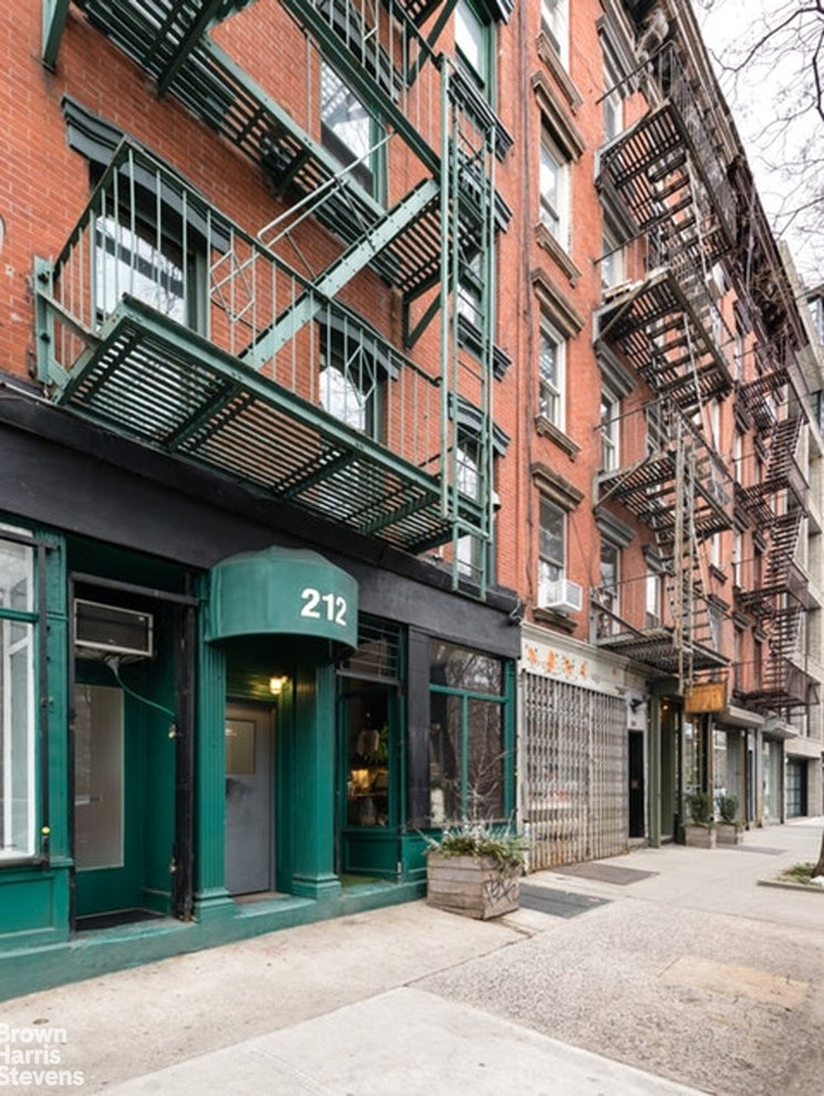 212 Forsyth Street 58, Lower East Side, NYC, $895,000, Web #: 20064055